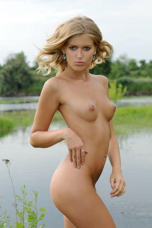 Jolis seins en forme de poires