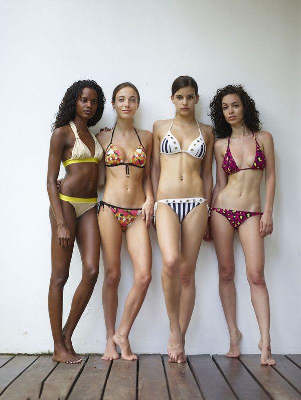 4 jolies filles en bikini