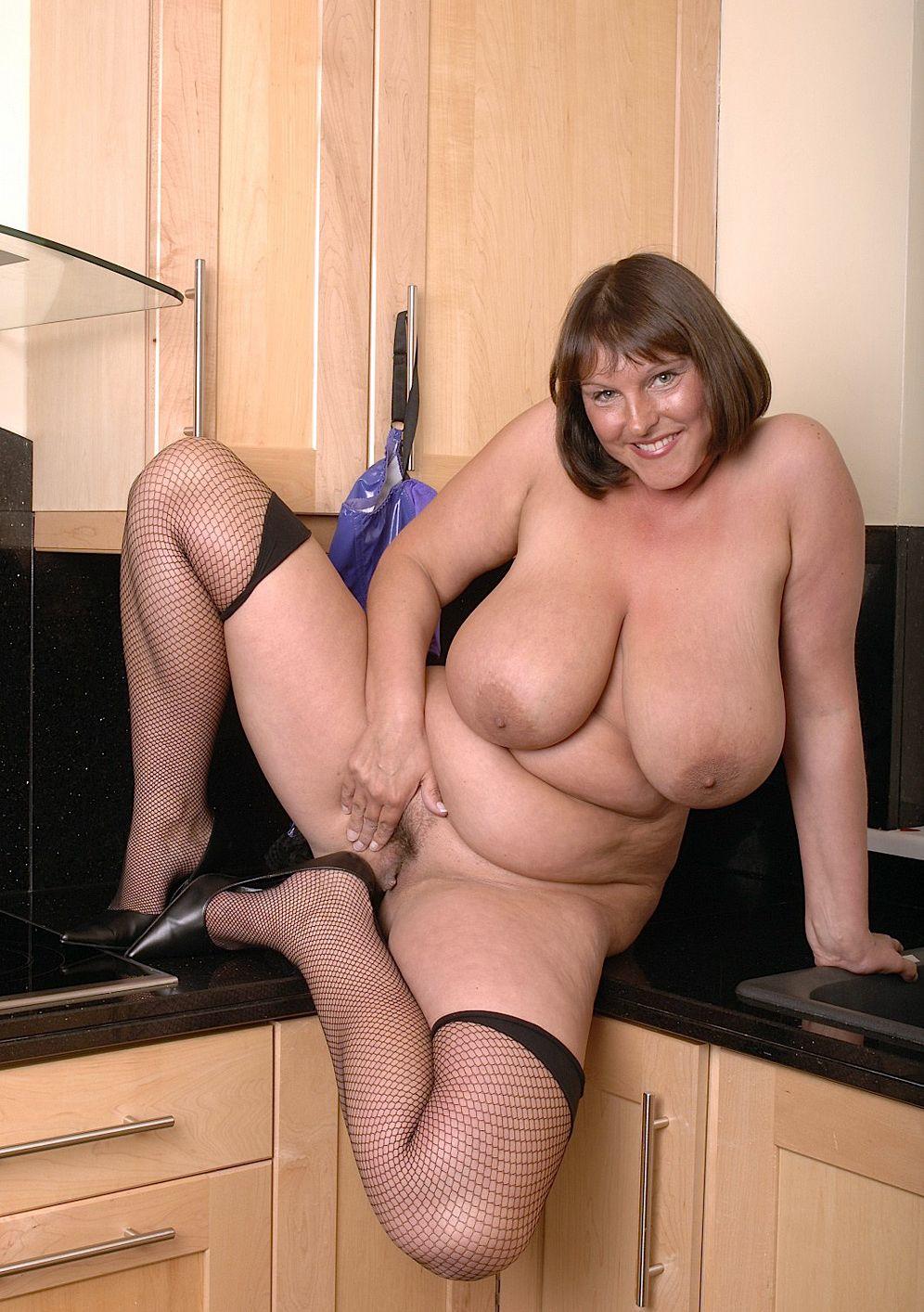 vieille gros seins grosses fesses
